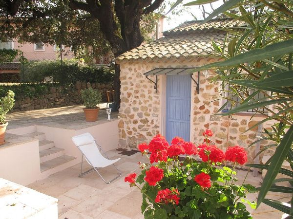 House to rent in DRAGUIGNAN (Var) 2 pers